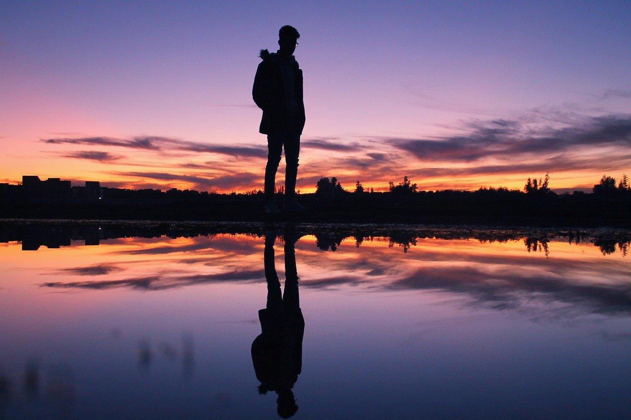 Person Man Boy Sunset Twilight  - Simedblack / Pixabay